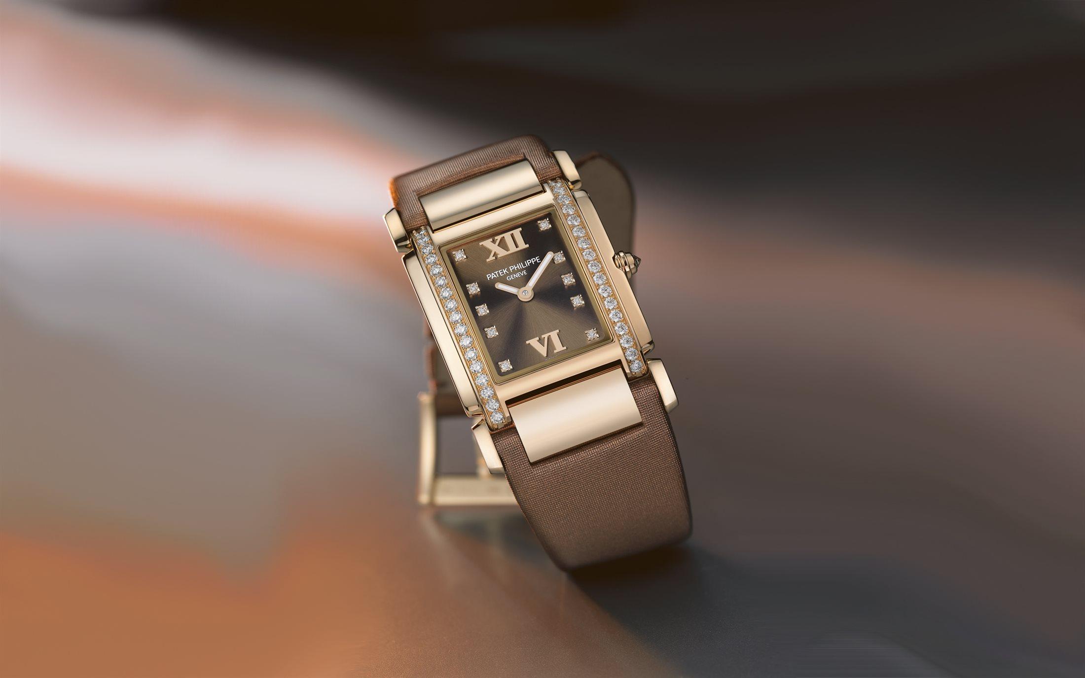 đồng hồ quartz Patek Philippe 4920R
