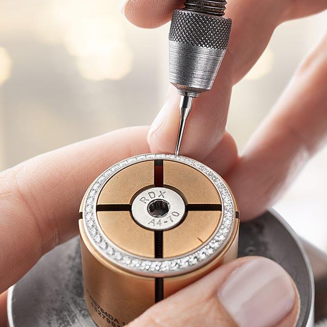 quy trình sản xuất đồng hồ rolex