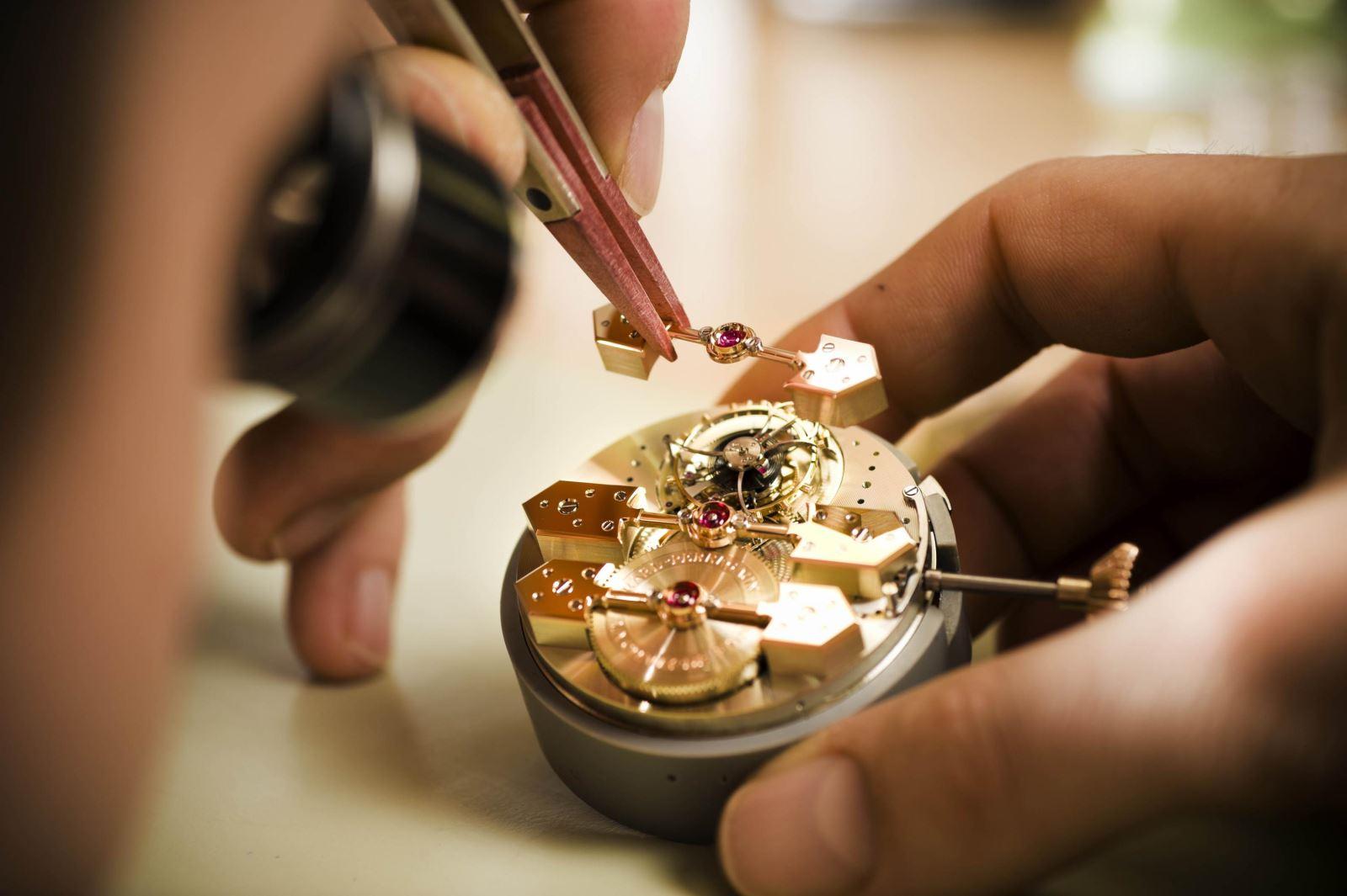 hướng dẫn bảo dưỡng đồng hồ tại nhà