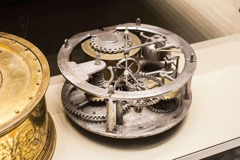 Chuyển động sắt cho một chiếc đồng hồ thiên văn trong Bảo tàng Anh