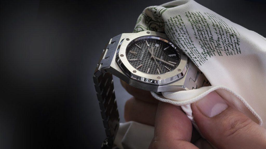 làm thế nào để bảo vệ chiếc đồng hồ cơ của bạn