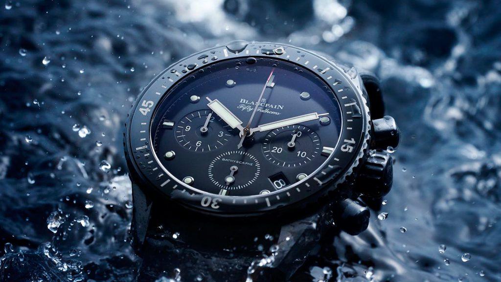 đồng hồ waterproof là gì